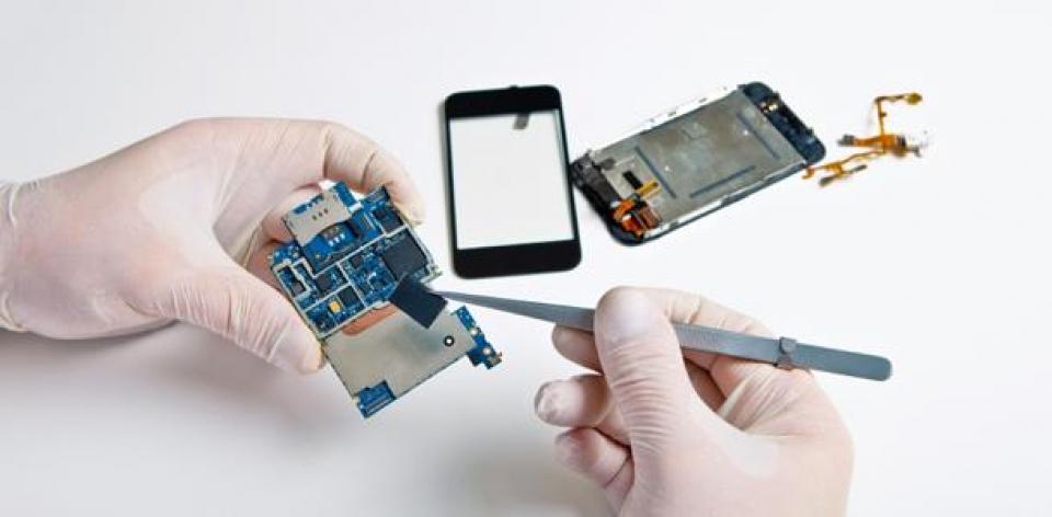 Ремонт системной платы сотового телефона